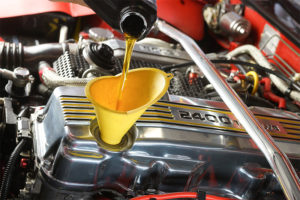 What is the difference between conventional and synthetic engine oil?