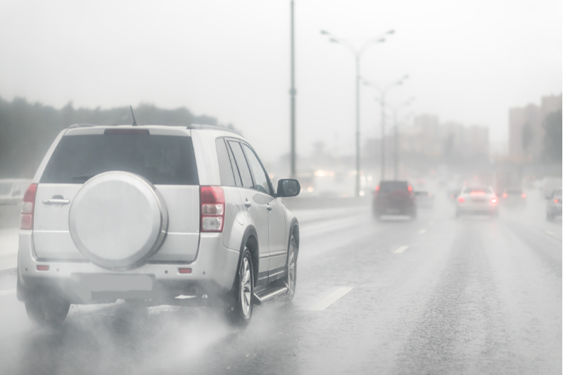 What to do if Your Vehicle Begins to Hydroplane